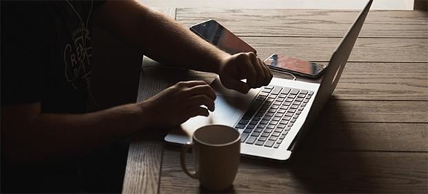 escribir un correo electrónico profesional en inglés